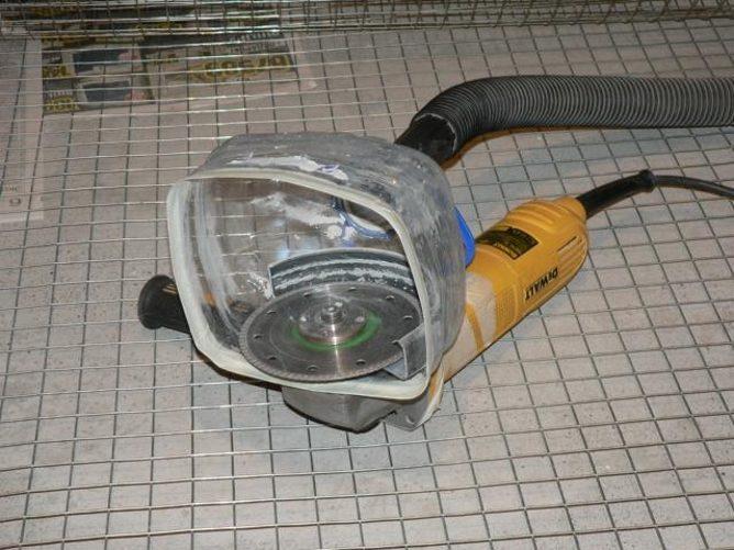 Приспособление против пыли