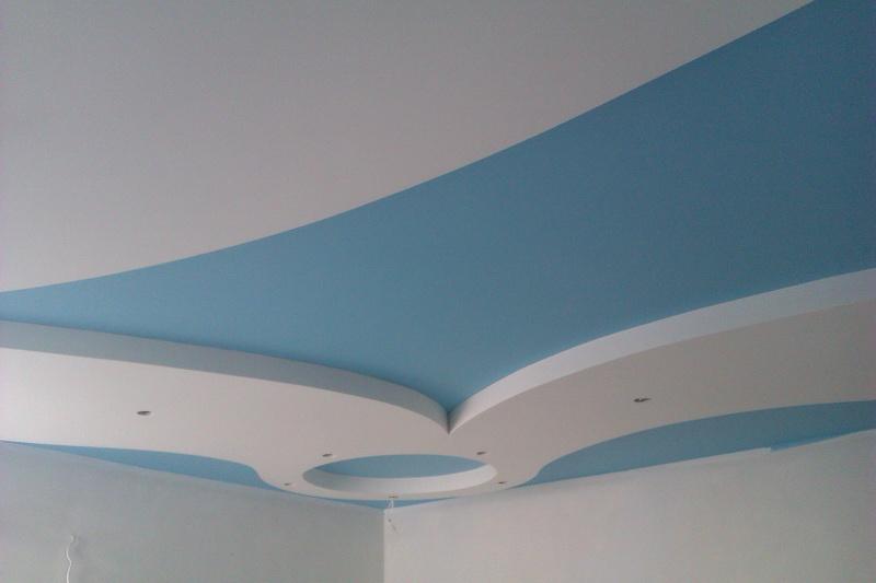 Покрашенный потолок на кухне