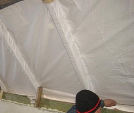 На ремонт крыше автомобиля вмятины