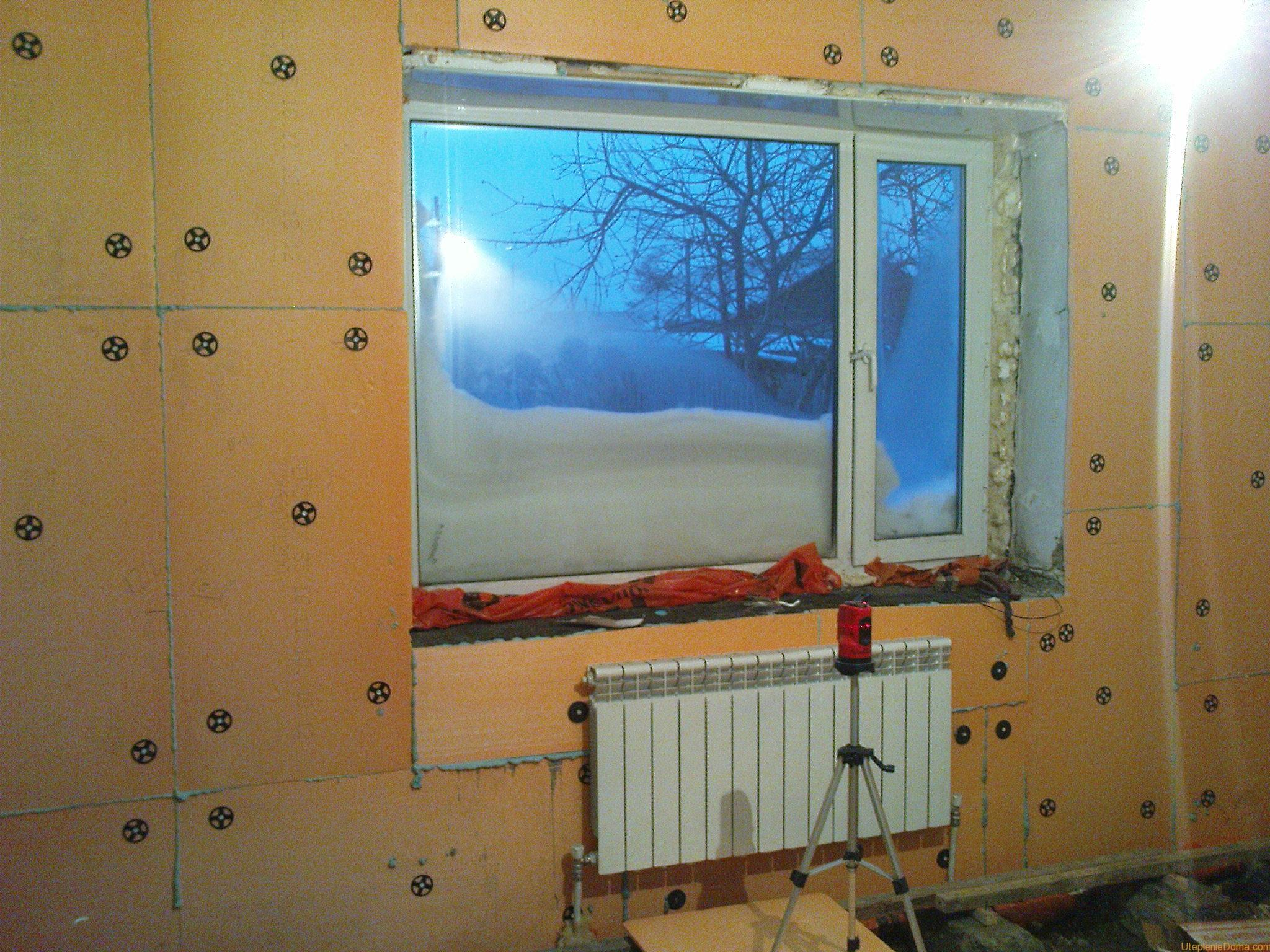 Промерзает угол стены в квартире