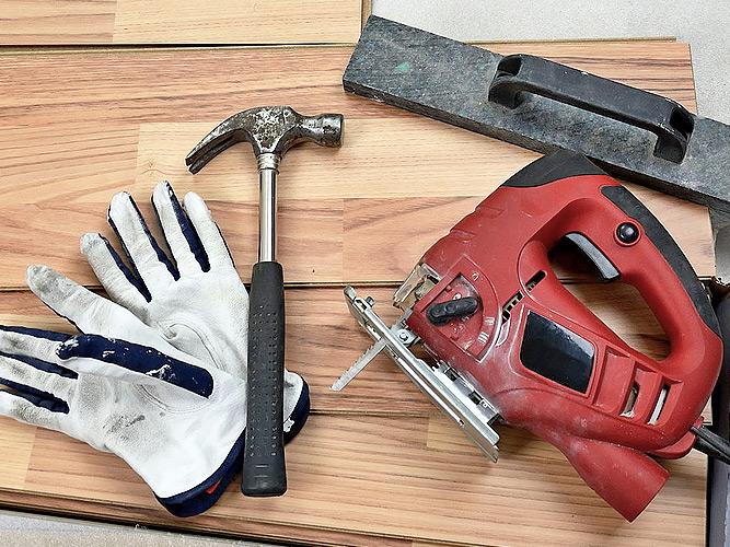 Инструменты на доске