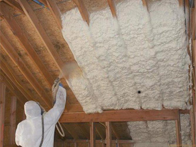 Утепление потолка пеной