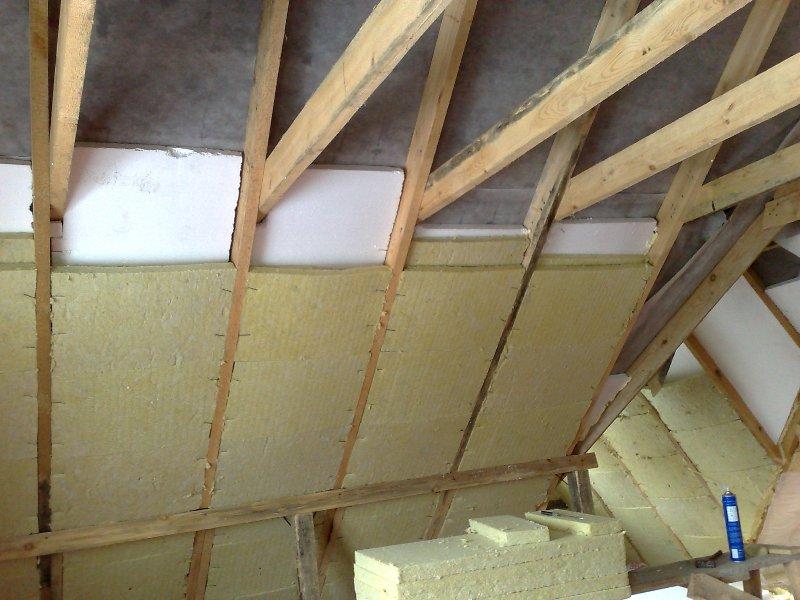 как утеплить крышу в личном доме своими руками